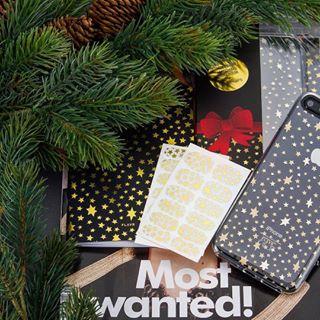 🎄J-20 avant les cadeaux, et vous, où en êtes-vous de votre liste au Père Noël ? 😉 📸 @shopflavr • #noel #cadeau #cadeaunoel #cadeaugeek #geek #fashiontech #style #protection #smartphone #etoiles #sapin