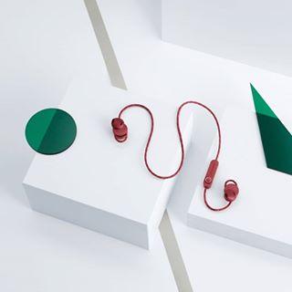 Avec les écouteurs Bluetooth Jakan d'@urbanears, profitez de 12 heures d'autonomie en musique ! • #ecouteursansfil #ecouteurswireless #ecouteurs #ecouteursbluetooth #nomade #musique #playtime #freedom #casqueaudio #audio #fashiontech #caseforyou #urbanears
