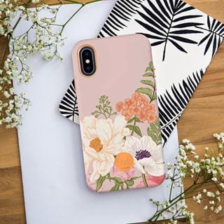 C4U célèbre le printemps avec @shopflavr 🌸⠀⠀⠀⠀⠀⠀⠀⠀⠀ •⠀⠀⠀⠀⠀⠀⠀⠀⠀ #caseforyou #flavr #printemps #spring #springiscoming #flowers #iphone #coqueiphone #urbanjungle #homedecor #accessoire #smartphone #telephone #protection