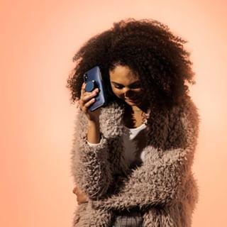 Exprimez votre style avec les coques de la gamme @otterbox + Pop Symmetry - Une coque qui intègre un support pour @popsockets pour changer de look en un 😉⠀⠀⠀⠀⠀⠀⠀⠀⠀ • ⠀⠀⠀⠀⠀⠀⠀⠀⠀ #lifestyle #style #fashiontech #iphone #SwappableUpstoppable #StyleItSwapIt #Otter+Pop #OtterBox #MyOtterBox #popsockets