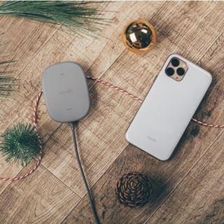 Les support magnétique SnapTo de Moshi est le système de charge sans fil le plus simple d'utilisation. Votre smartphone s'aimante en tout simplicité et de manière sécurisée sur le support.⠀⠀⠀⠀⠀⠀⠀⠀⠀ A découvrir en vidéo sur notre page Facebook...⠀⠀⠀⠀⠀⠀⠀⠀⠀ •⠀⠀⠀⠀⠀⠀⠀⠀⠀ #phone #technology #android #iphone #samsung #apple #mobile #tech #ios #electronics #instagood #galaxy #gadget #samsunggalaxy #appleiphone #huawei #honor #iphonex #iphoneology #s10 #galaxys10 #iphonegraphy #galaxys9 #galaxys8 #iphone8 #iphoneonly #instaiphone #samsunggalaxys10 #device #galaxys8